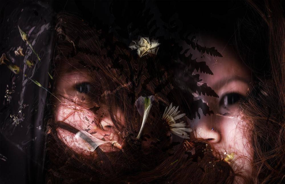Olivia Wong - Fragmentation 7/9 - 22x34 - Photograph on Luster Photo Paper